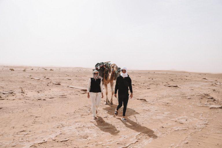 How to experience the real sahara desert   Egill & Tanja trekking