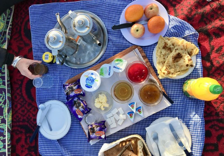 2 Day Desert Trek with Walking with Nomads Desert Breakfast