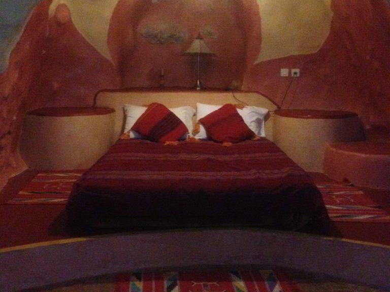cave bedroom credit lb